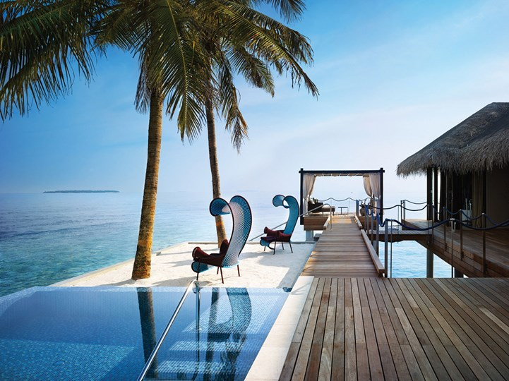 Velaa Private Island, VistaJet